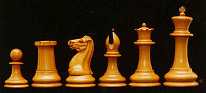 standard staunton chess pieces